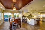 Open kitchen and breakfast bar